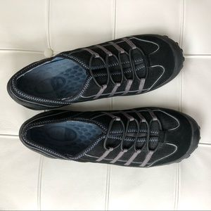 Brand New Privo by Clarks Sneakers 8.5M